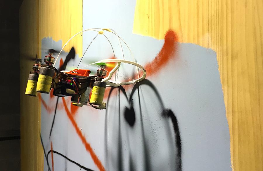 Taller de graffiti amb drones